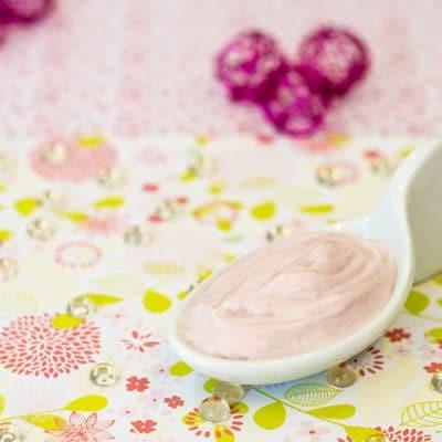 Crème anti-âge aux actifs de fruits rouges